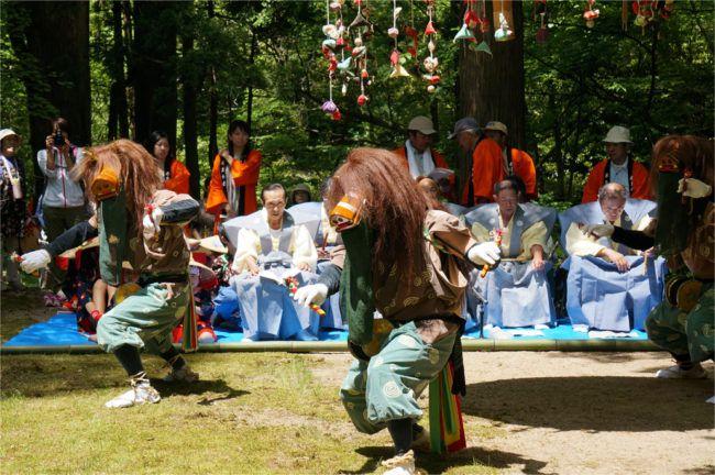 赤玉まつりの花笠踊り